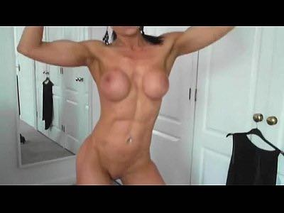 Female Bodybuilder Stripteases And Poses Naked Live