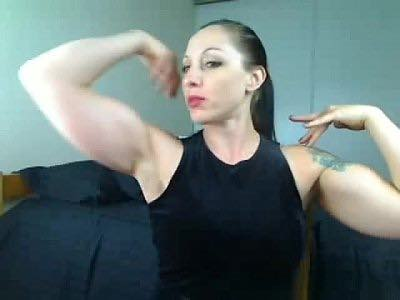 Muscle Webcam Dominatrix ​With Huge Biceps
