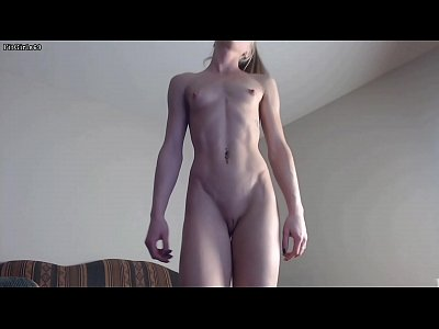 Ripped Teen Cam Girl Briefly Flexing For Free