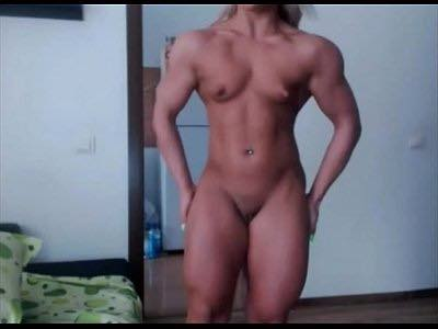 Teen Female Bodybuilder Puts On Cam Session