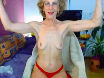 Older Woman Gets Topless And Flexes Her Amazing Arms