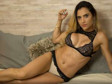 Ripped Colombian Babe AllysonJones Cam Session