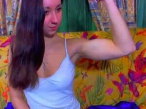 Adorable Muscle Teen Girl Aaliyah First Cam Show
