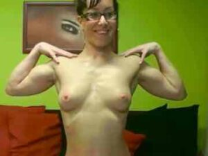 Milf In Glasses With Ripped Body On Webcam