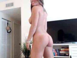 Fitness Babe Hallie Naked