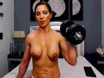 Muscle Babe Lifting Dumbbells On Live Cam