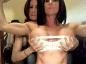 Muscle Twin Sisters Live Session