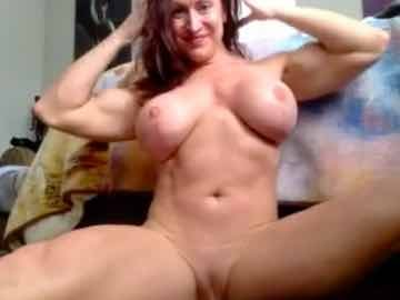 Redhead Muscle Lady On Live Webcam