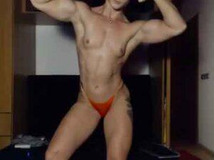 Young Female Bodybuilder Quick Cam Show