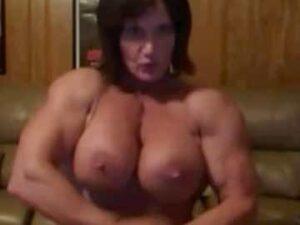 FBB MILF Flexing Webcam