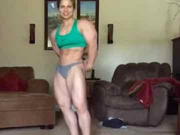 Teen Female Bodybuilder Shows Off Her Muscles On Cam
