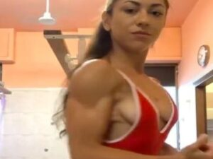 Pretty Russian Lady With Muscles On Cam